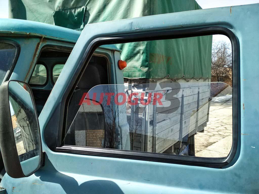 Сплошное (цельное) стекло двери кабины на УАЗ буханка с электростеклоподъемником